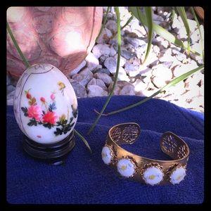Jewelry - Vintage Baby Ivory Bangle